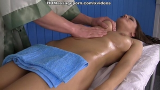Dominika cannot assist engulfing and fucking her masseur