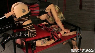 Monicamilf is squiring on her femdom thrall - norwegian kink