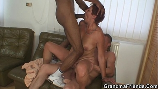 Interracial 3some with old slut