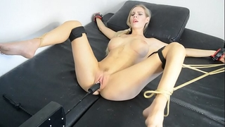 Florane russell bound up and useing fuck machine