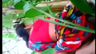 Outdoor aunty and juvenile tamil dude fucking eighteen year old desi